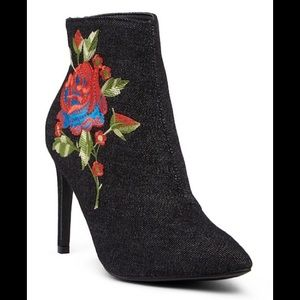 Cape Robbin NWOT Rose Embroidered Denim Booties